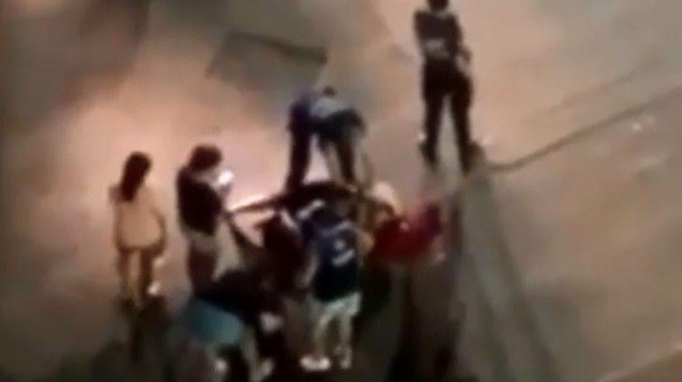 Atropellaron a un motociclista en barrio Güemes y lo abandonaron