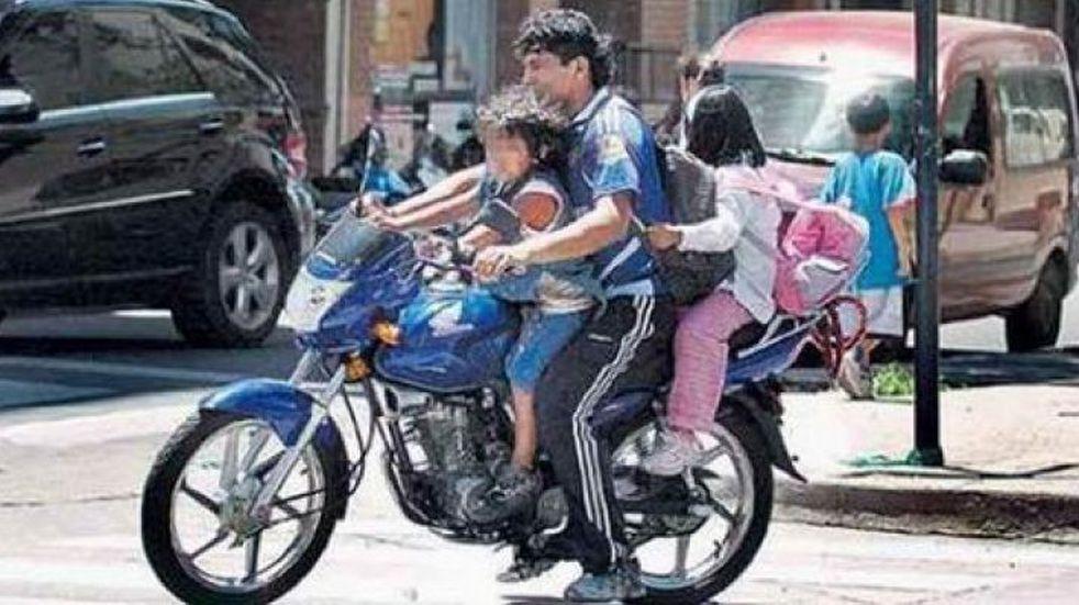 Se usa más alcohol que casco para manejar motos