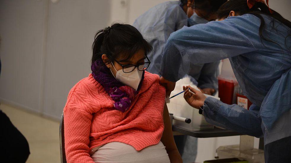 Vacunación en Córdoba: las embarazadas ya no necesitan presentar prescripción médica