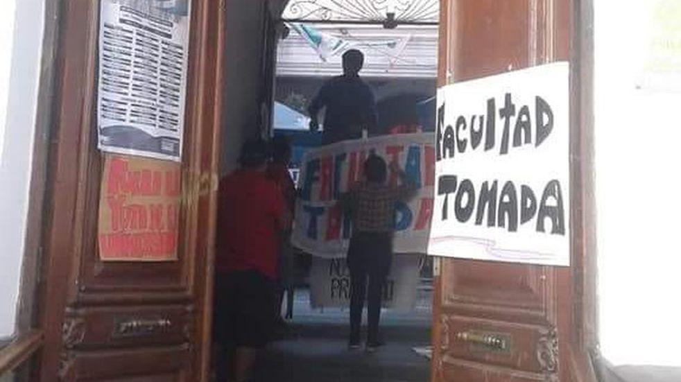Clases públicas y actividades de difusión en la toma de la Facultad de Humanidades en Jujuy