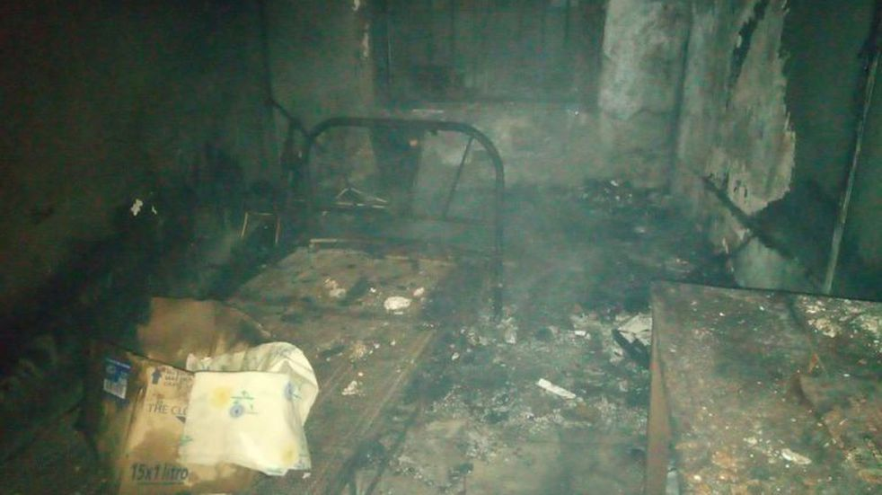 Arroyito: se incendió una vivienda y las perdidas materiales fueron totales