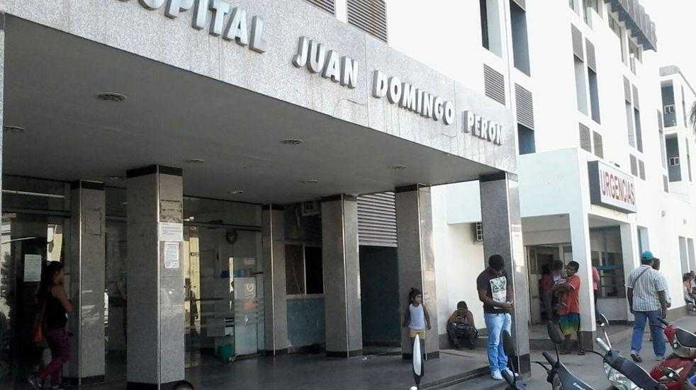 """Un grupo de mujeres se manifestó y organizó un """"pañuelazo"""" en contra de la detención de la médica que practicó un aborto en Salta"""