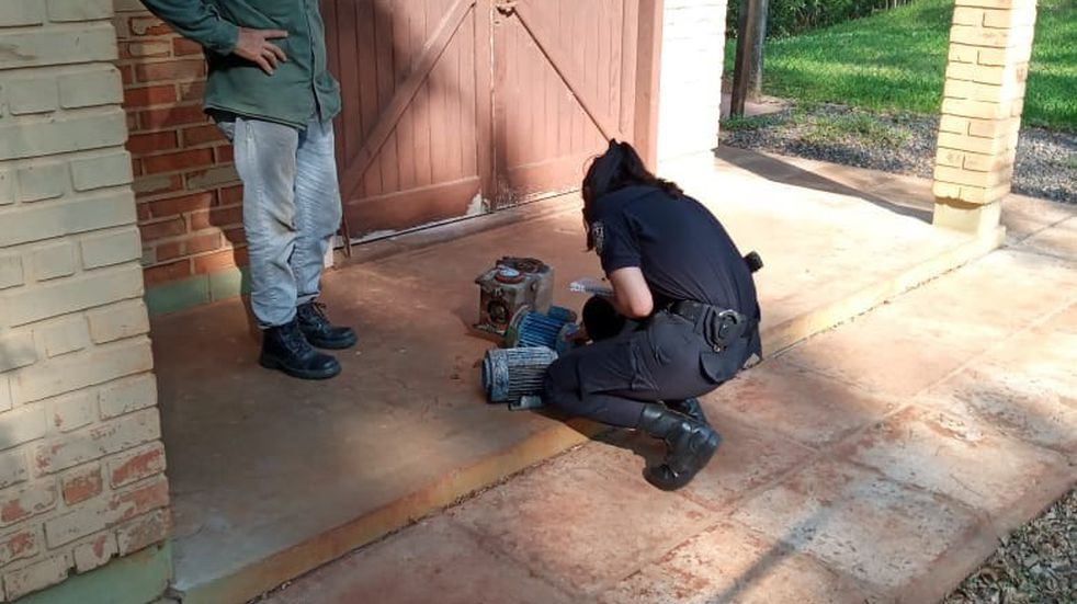 Efectivos policiales recuperaron tres bombas de agua sumergibles