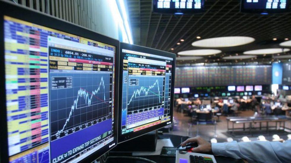 Sin tregua, se derrumban los activos argentinos y sube el Riesgo País