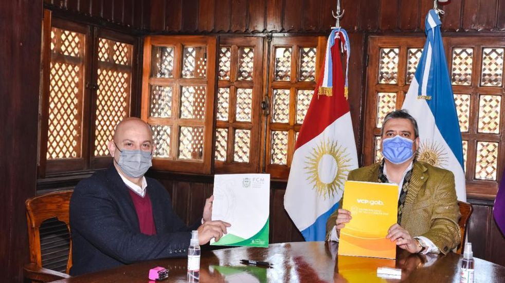 Carlos Paz: El municipio firmó un acuerdo con la UNC para monitorear el agua del Lago San Roque