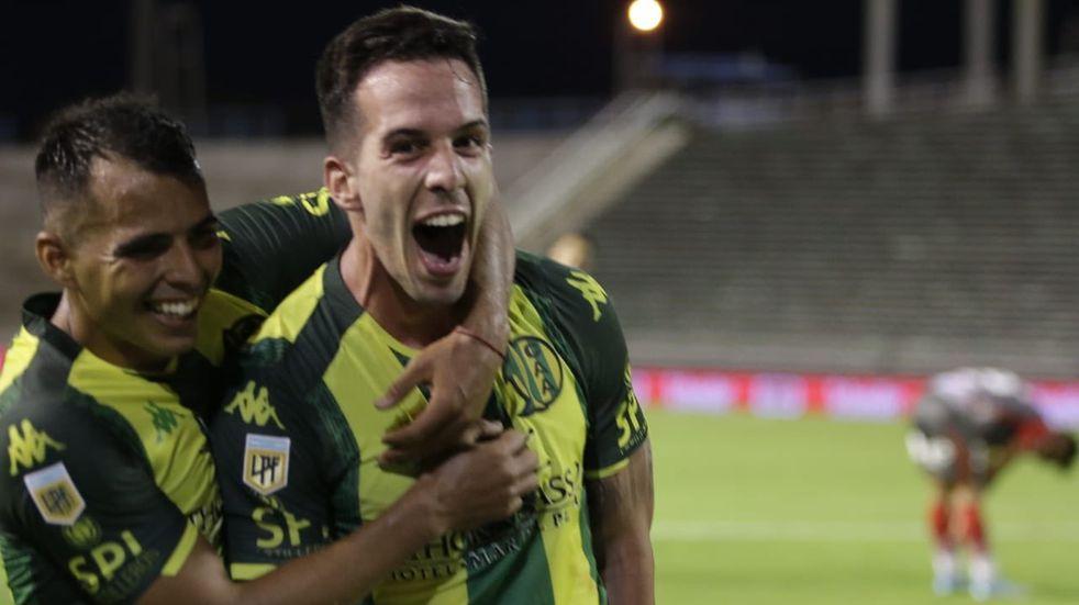 Aldosivi goleó a Arsenal y consiguió su primer triunfo desde la llegada de Gago