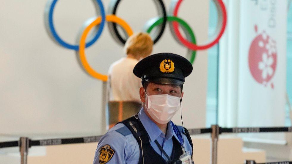 Juegos Olímpicos: se detectaron una decena de casos de coronavirus relacionados con dos equipos