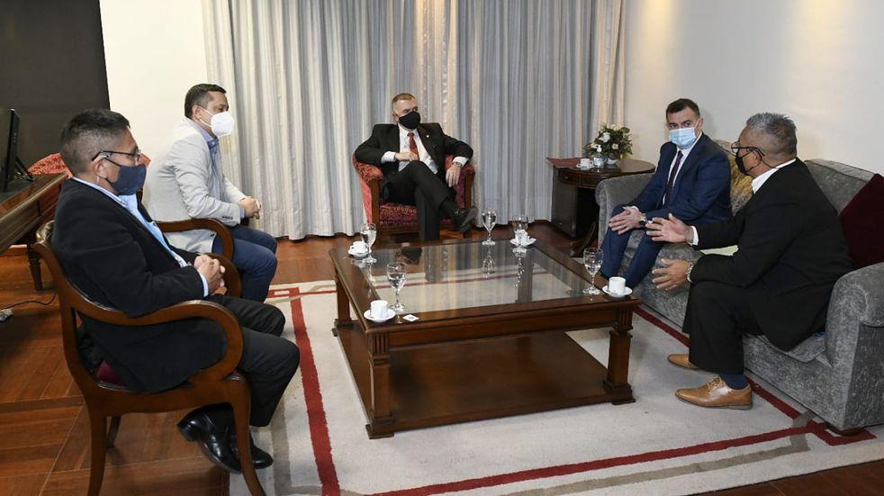 Jaldo se reunió con miembros de la Asociación de Guías de Turismo