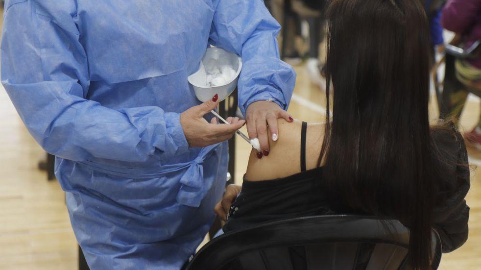 Comienza la vacunación para jóvenes de entre 12 y 17 años