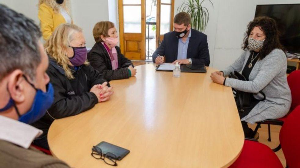 Municipio y AMEP firmaron un acta acuerdo con la Asociación Mutual de Empleados Provinciales