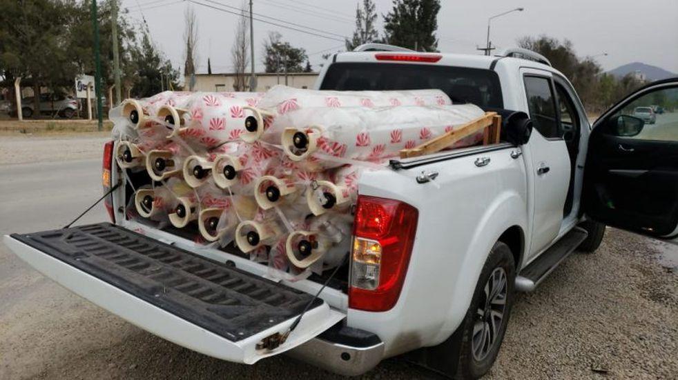 Maestros de Orán donaron tubos de oxígeno para hospitales del norte