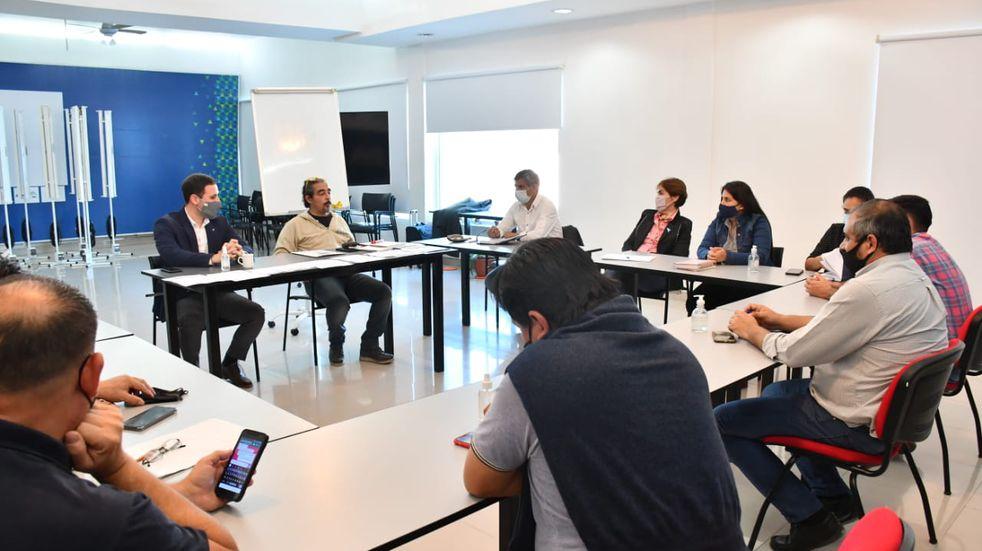 Intendentes chaqueños coordinaron acciones con el rector de la UNCAus