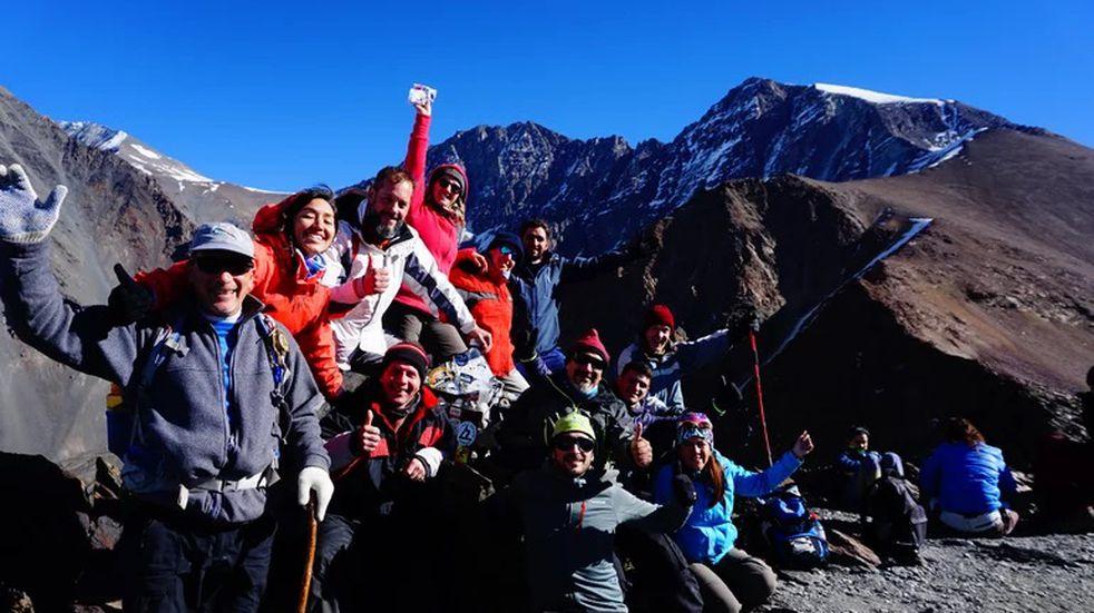 El equipo de montañismo de San Luis hizo cumbre en el cerro Stepanek y el famoso Adolfo Calle