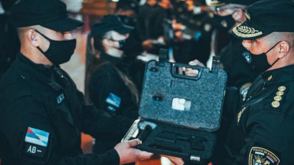 En esta jornada finalizó la entrega de armas reglamentarias a la Policía de Misiones.