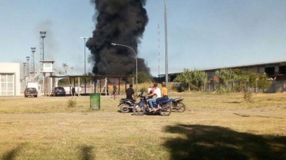 Incendio en una planta de reciclaje cerca de Pérez