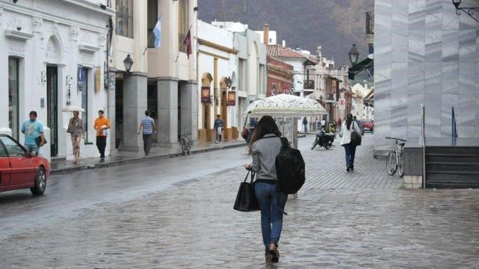 Será un martes nublado y lluvioso en Salta