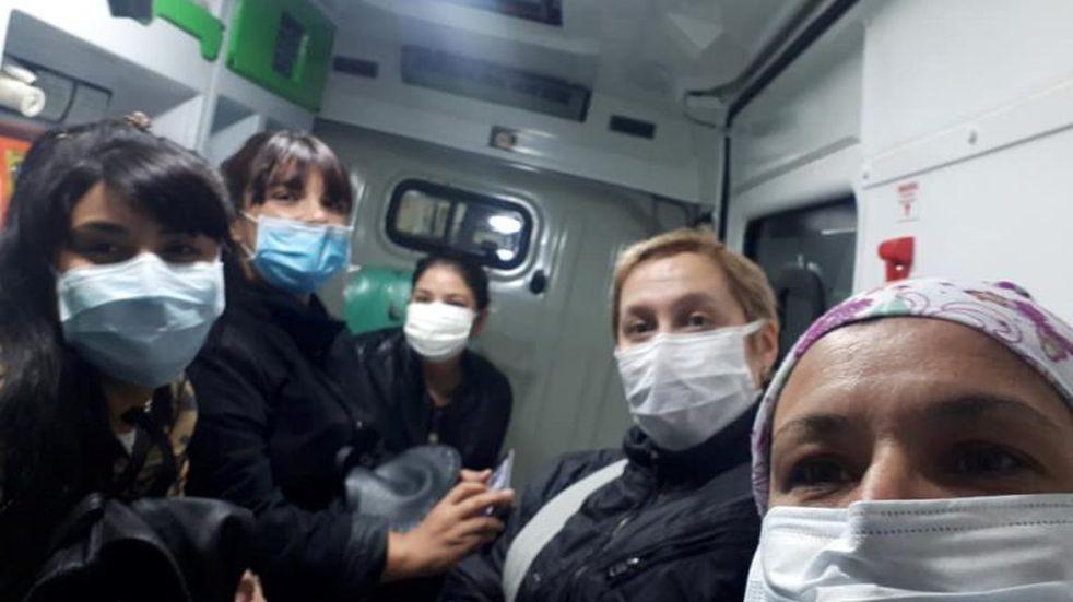 Abandono total: trasladaron a los enfermeros 28 km en ambulancia