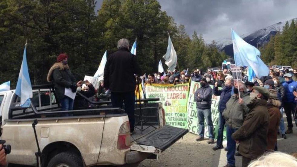 Villa Mascardi: el Gobierno permitiría que los mapuches se queden a cambio de paz