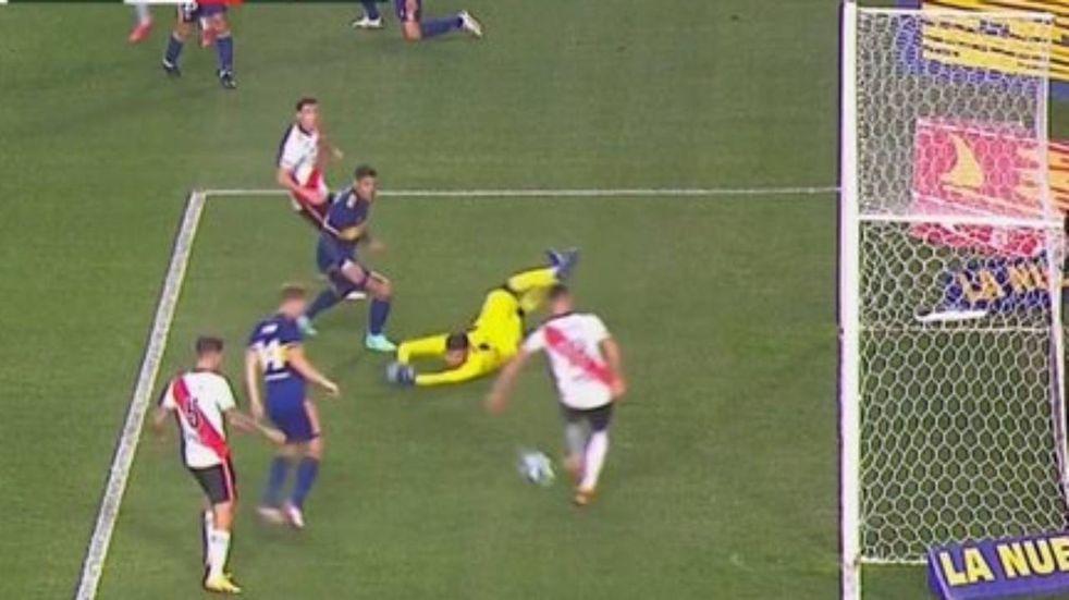 Copa Argentina: la insólita pifia de Braian Romero que pudo poner en ventaja a River