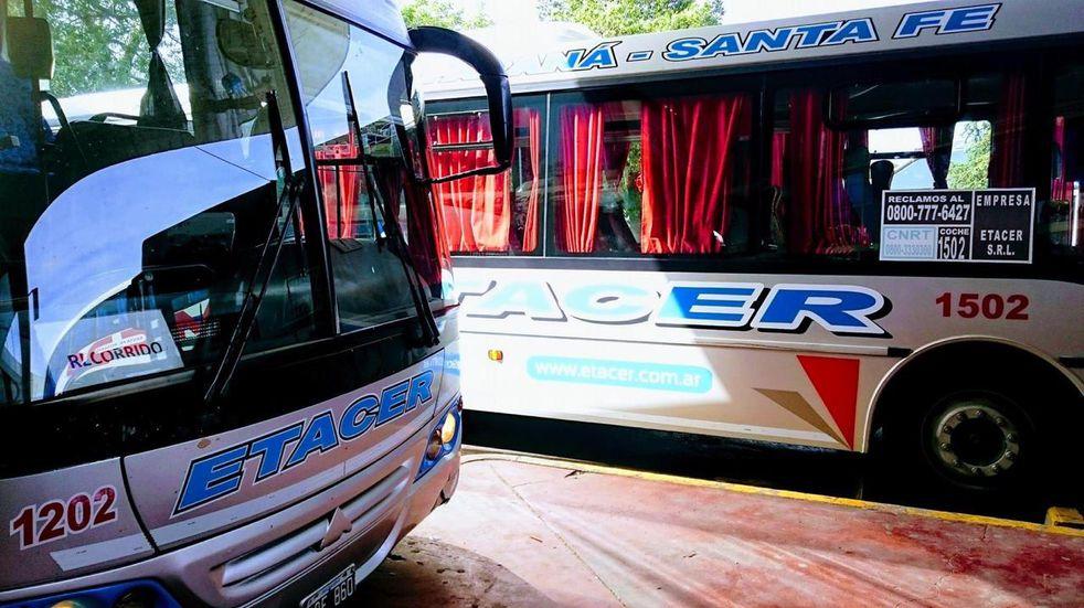 Se retoma el servicio de colectivos Paraná-Santa Fe