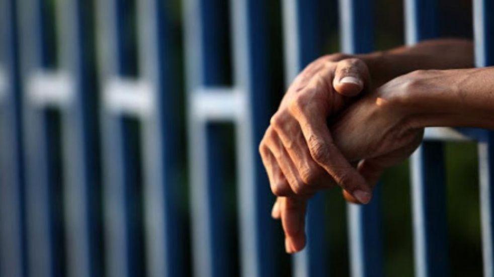 Abusó de su hija y lo condenaron a más de 7 años de cárcel