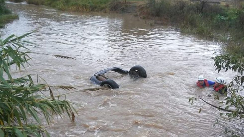 Chajarí: un adolescente perdió la vida tras caer con su automóvil a un arroyo