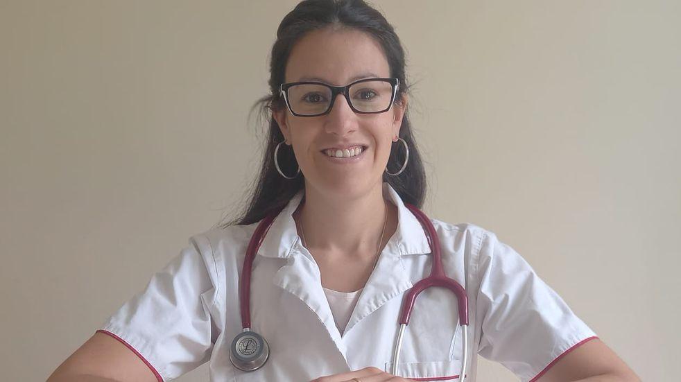 Una pediatra maipucina usa sus redes sociales para informar sobre maternidad