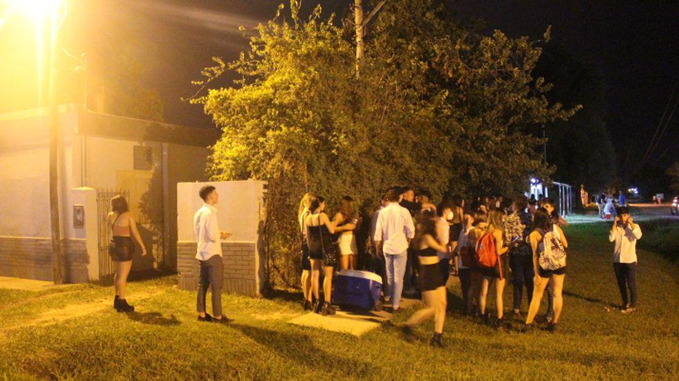 Desalojaron eventos clandestinos: en dos fiestas ilegales había más de 1500 personas