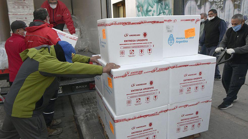 Vacunación covid-19 en Mendoza: llegaron 18 mil dosis del segundo componente de la Sputnik V