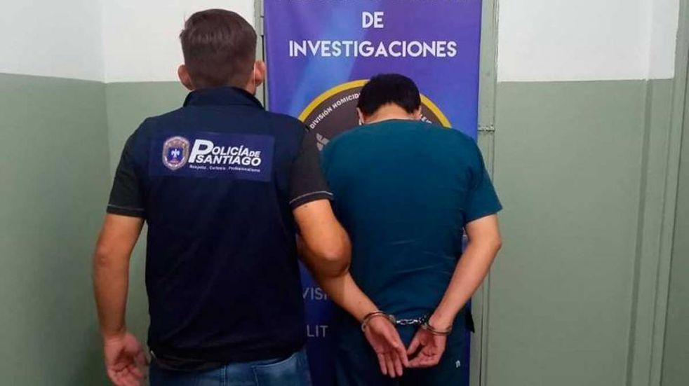 Detuvieron a un enfermero por robar vacunas contra el coronavirus y armar un vacunatorio en su casa