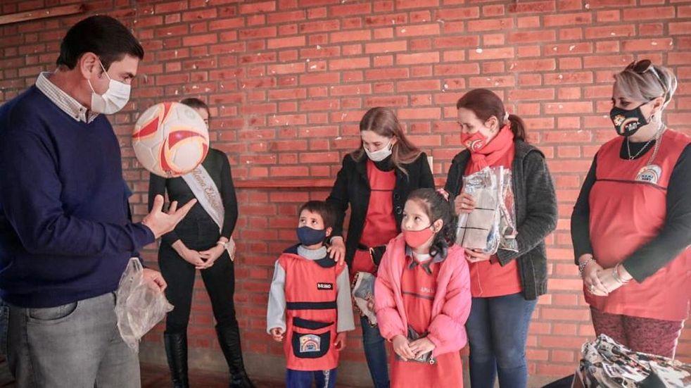 """Se llevó adelante el operativo """"Por mi Ciudad"""" en el barrio Los Lapachos"""