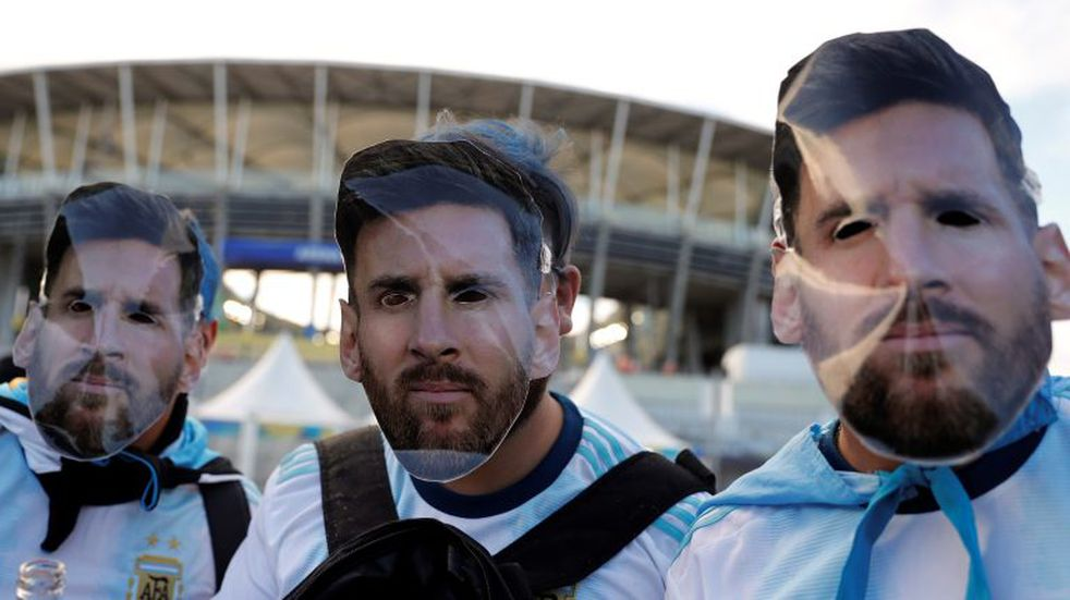 Locura por la Copa América: argentinos se concentraron en el Maracanazinho para conseguir entradas