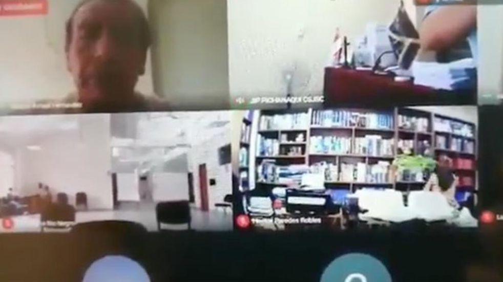 Un abogado mantuvo relaciones sexuales en plena audiencia virtual en Perú y todo quedó grabado