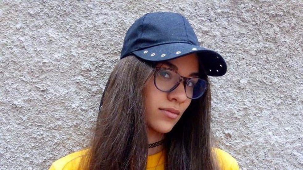 Azul Mowszet: la influencer de Carlos Paz que difunde el uso de la copa menstrual