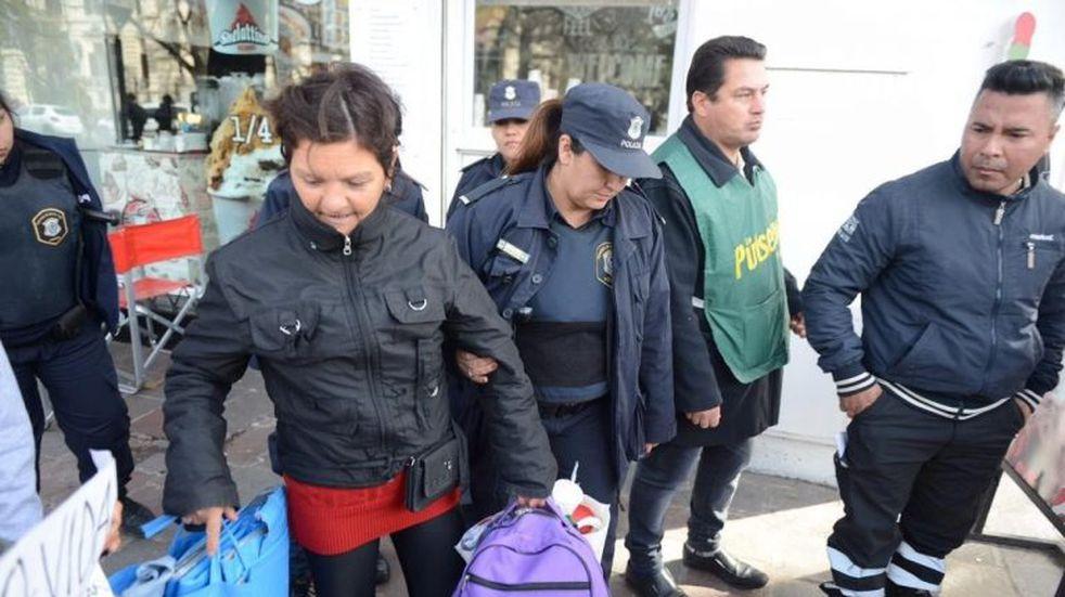 Crece la tensión en La Plata por el operativo contra los manteros