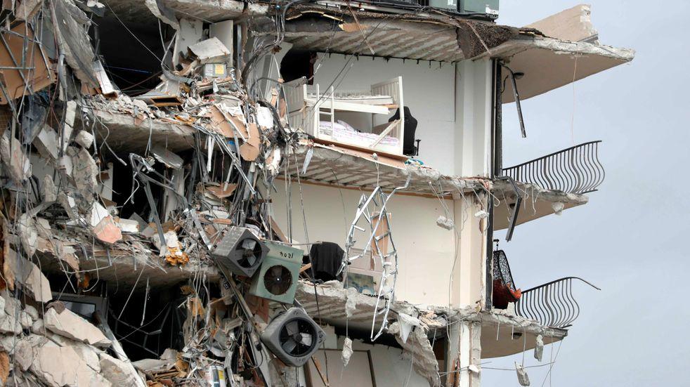 Derrumbe de un edificio en Miami: buscan a cuatro argentinos desaparecidos