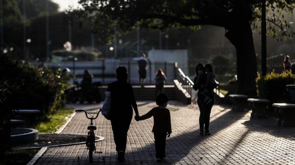 Confirman las salidas recreativas en la provincia menos en las ciudades de Santa Fe y Rosario