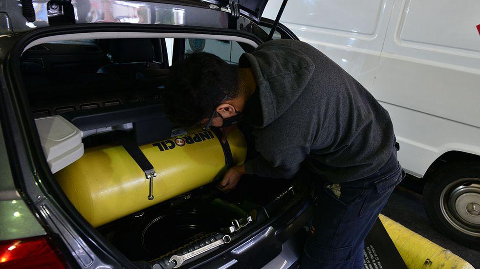 Cuánto cuesta colocar un equipo de gnc en un auto en Mendoza