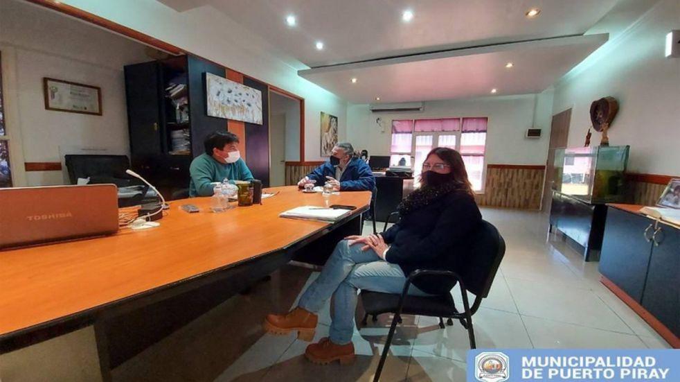 Puerto Piray: autoridades se reunieron para evaluar mejoras y extensión de la red eléctrica
