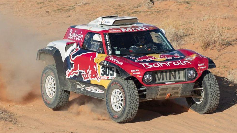 Dakar 2020: Sainz ganó la quinta etapa y sostiene la punta en la general