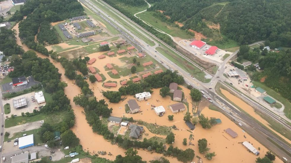 Inundaciones en Estados Unidos: al menos 21 muertos y decenas de desaparecidos
