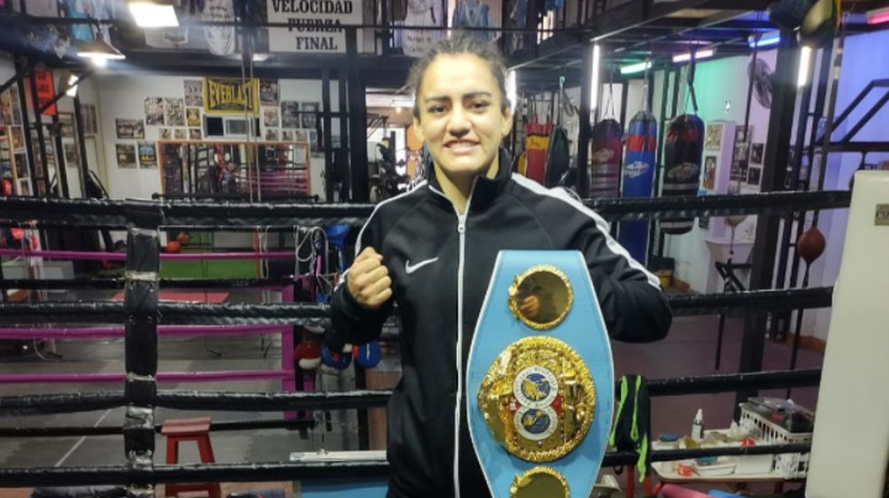 Boxeo: Micaela Luján no podrá exponer su título mundial por las restricciones sanitarias