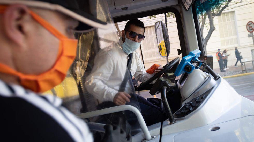 El Gobierno decidió que los transportes abran sus ventanillas de manera permanente