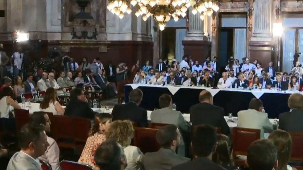 Con la ausencia de Cristina Kirchner, el Senado debate el Presupuesto