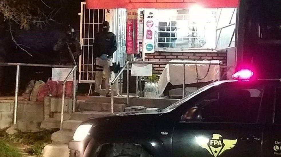 Carlos Paz: tenían un kiosco y guardaban la droga entre los embutidos