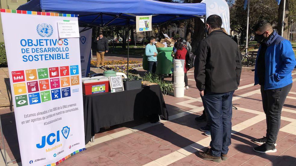 Maipucinos se unieron a la campaña de reciclaje de Comunidad Eco
