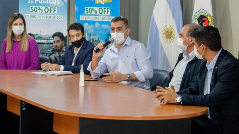 """Posadas: presentó el programa """"Ahora Escapadas"""" el cual ofrece un 50% de reintegro en el sector turístico"""