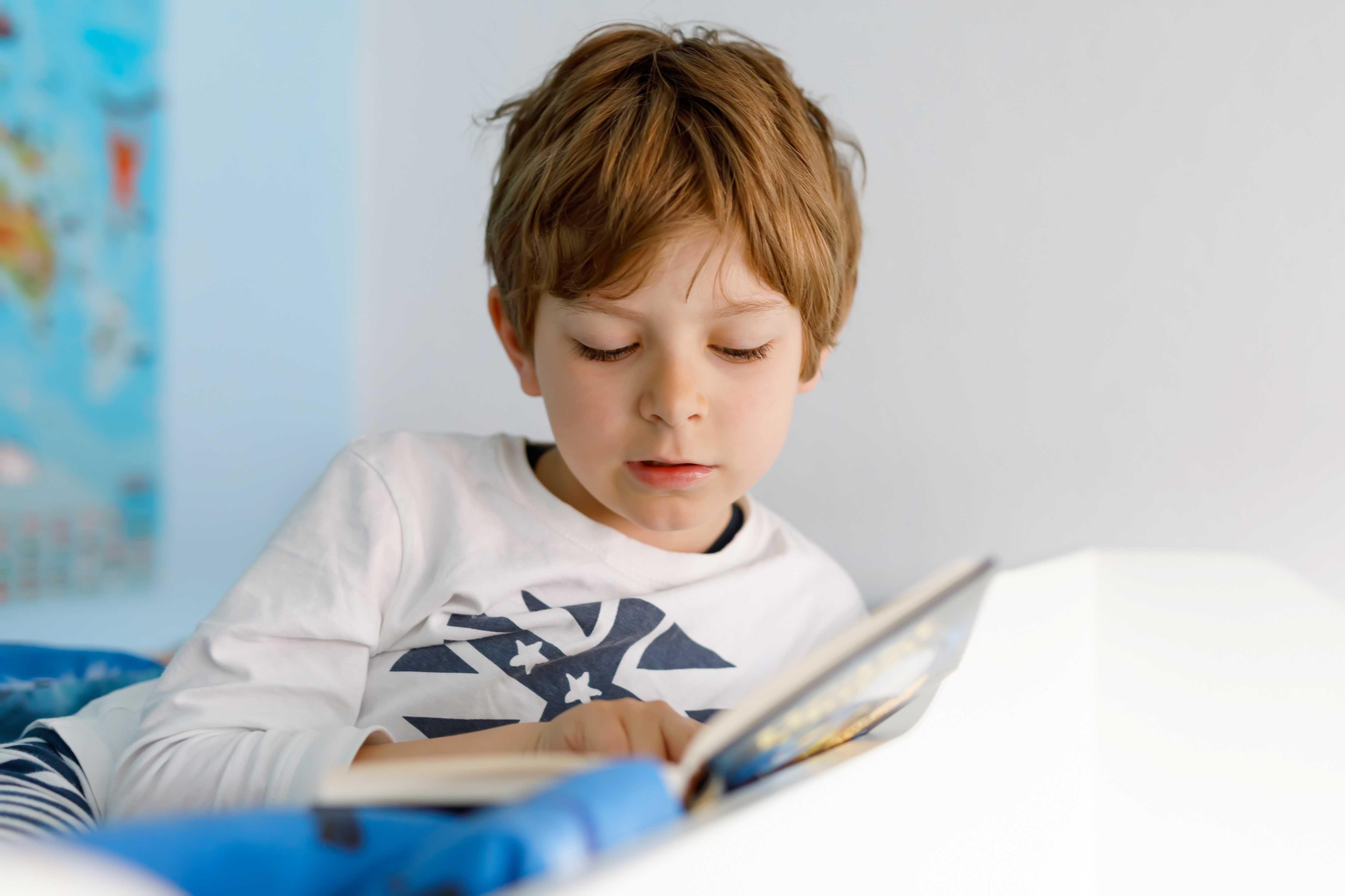 Muchas veces, los chicos no están en condiciones de determinar con precisión si no ven bien, por lo que es responsabilidad de los adultos llevarlos al control oftalmológico.