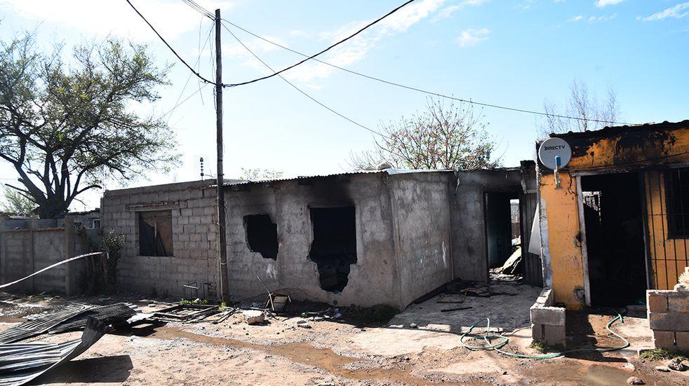 Video: impresionante incendio y rescate de una familia en Córdoba