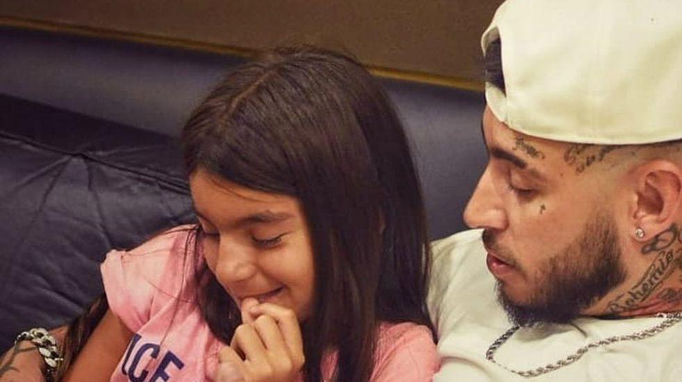 Tiernísimo: Ulises Bueno graba nuevo material, su hija lo acompañó y mostró las fotos